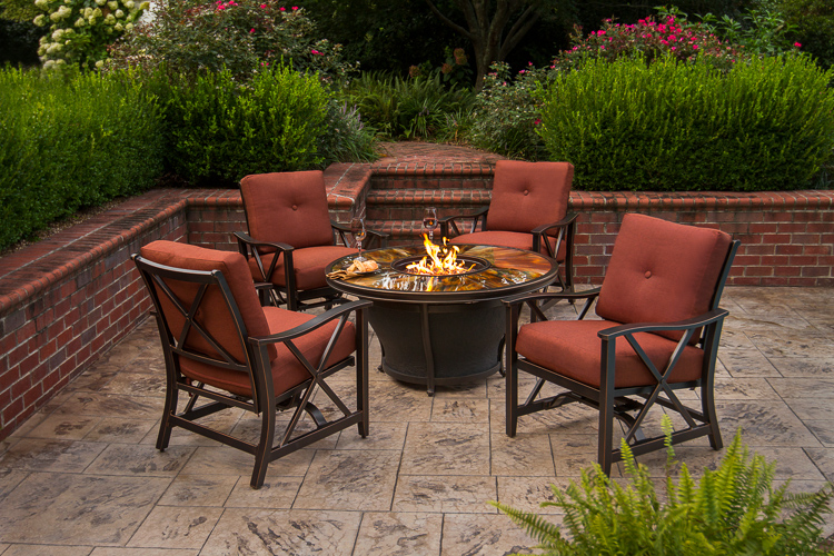 Bellus-Fire-Table-with-Summerdale-Chairs